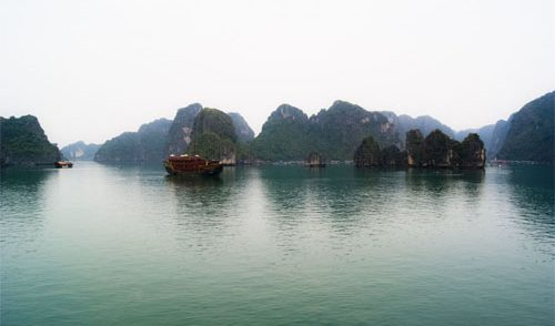 Travel Story: Cheap Tour to North Vietnam: Hanoi, Halong Bay, Tam Coc & Sapa (Lao Cai), only 400 USD..